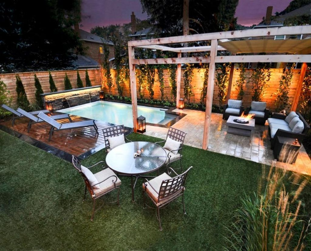 20 Clever Small Yard Design Solutions For Your Front Yard Trenduhome Small Pool Design Small Backyard Design Backyard Entertaining Area