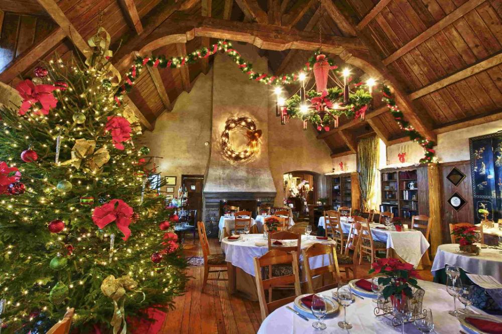 20 Best Restaurant Decoration Ideas For Christmas The Architecture Designs Restaurant Decor Architecture Design Restaurant