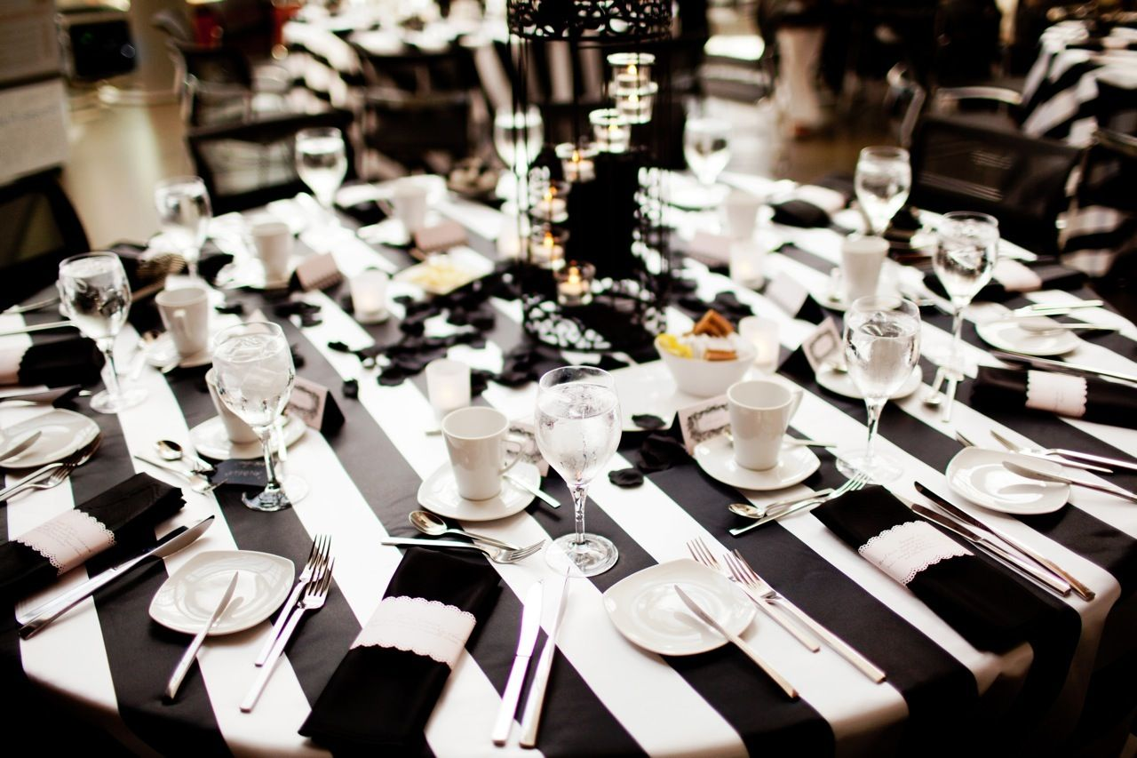 Items Similar To Chic, Ultra Modern, Black And White Stripe Tablecloth On  Etsy