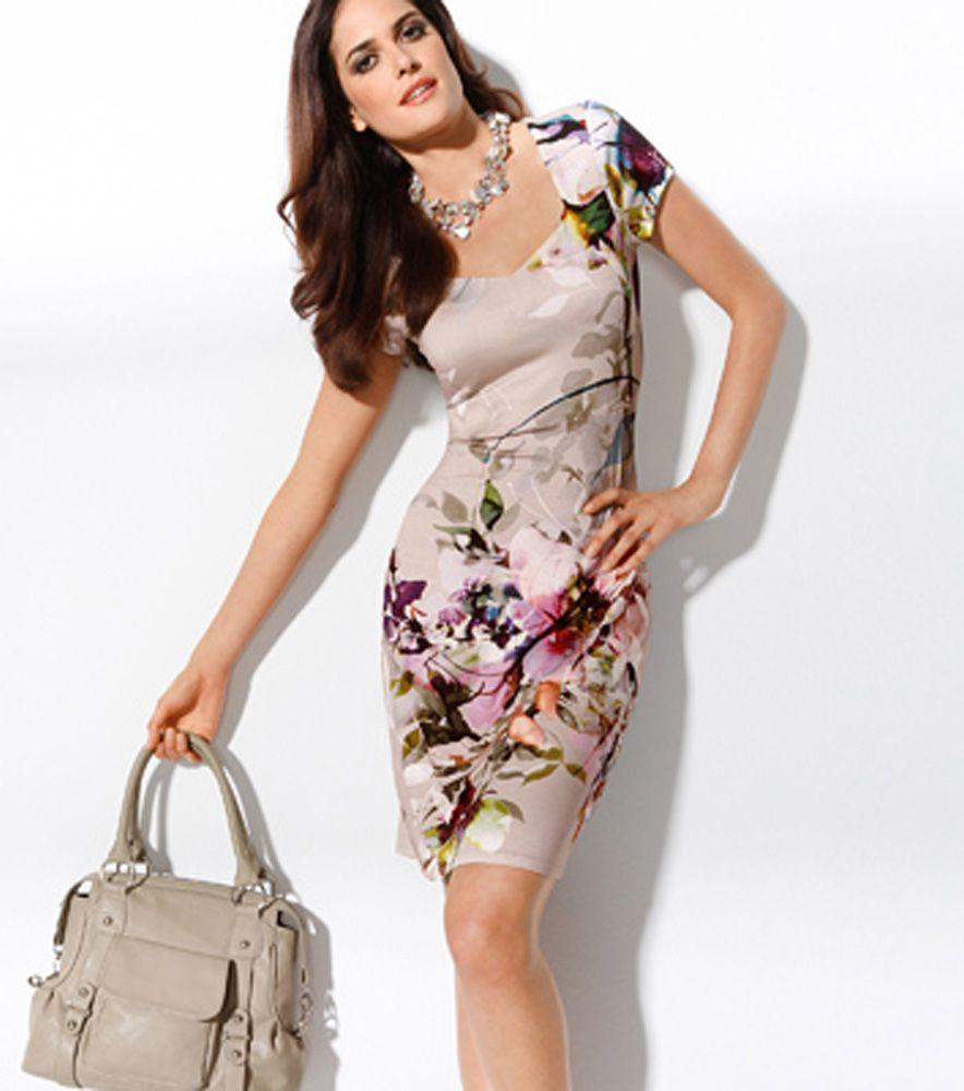 Vestido para oficina floreado edad madura y elegante for Maduras en la oficina