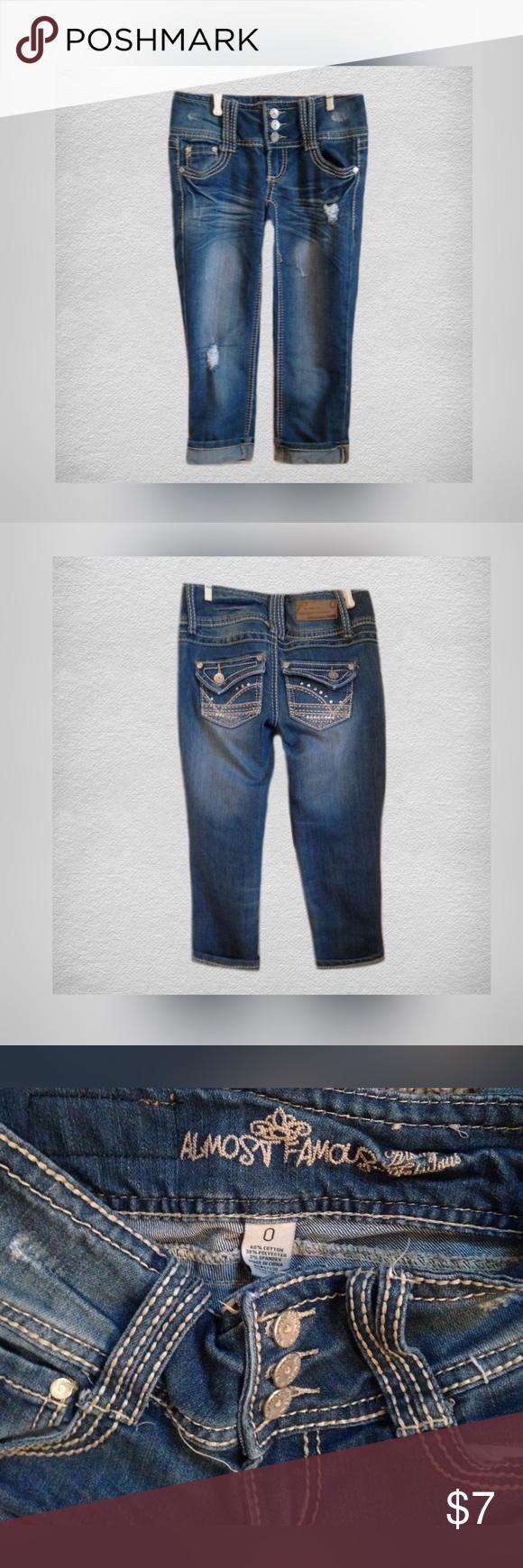 ‼️30% OFF BUNDLES‼️ALMOST FAMOUS Capris Gently used ALMOST FAMOUS cropped jeans; Size 0 Almost Famous Jeans Ankle & Cropped