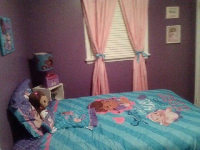 Brooke S Doc Mcstuffins Bedroom Bedroom Themes Toddler Room