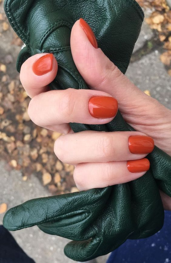 The 20+ Trendiest Fall Nail Colors + Fall Nails Inspiration |