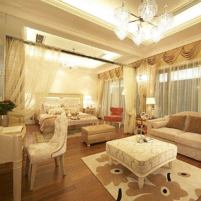 غرفه نوم كبيره بجانبها جلسه صغيره Padgram Home Decor Home Interior