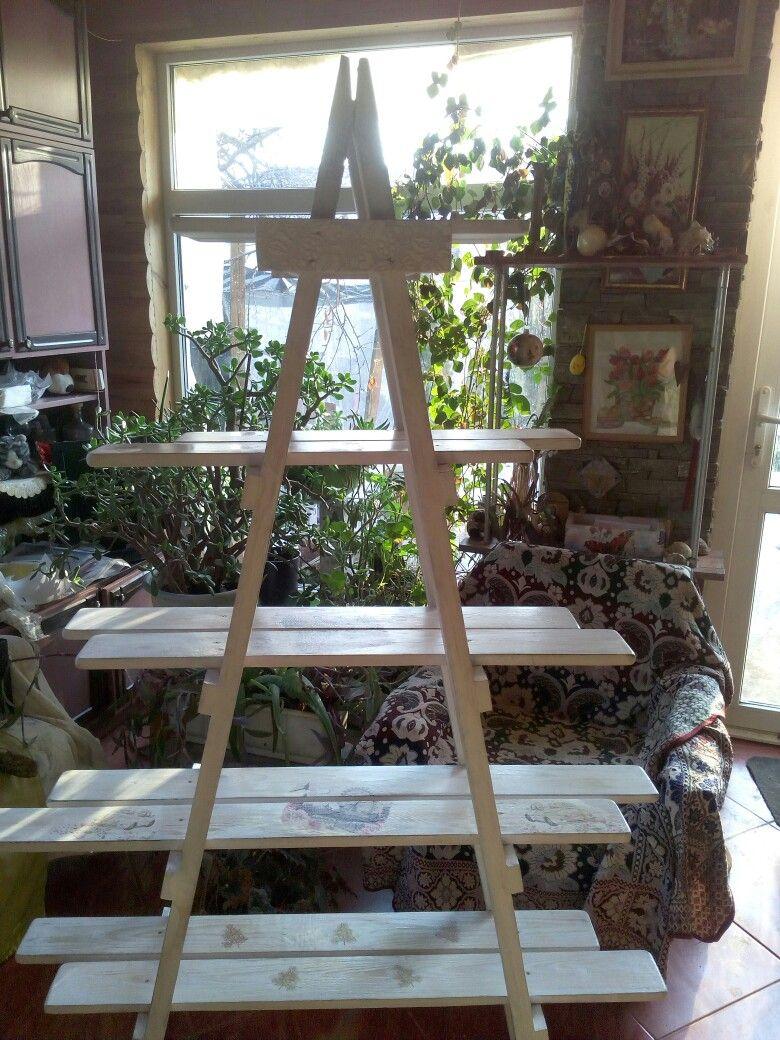 Лесенка, полка, этажерка для цветов и других красивых и милых сердцу мелочей