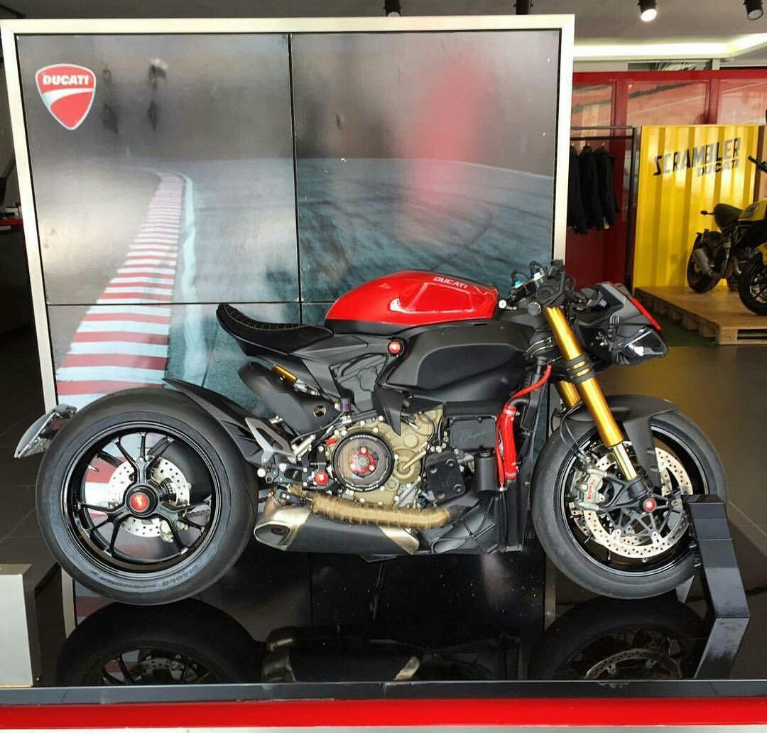 Bmw Streetfighter: Ducati 1199 Panigale Custom Streetfighter