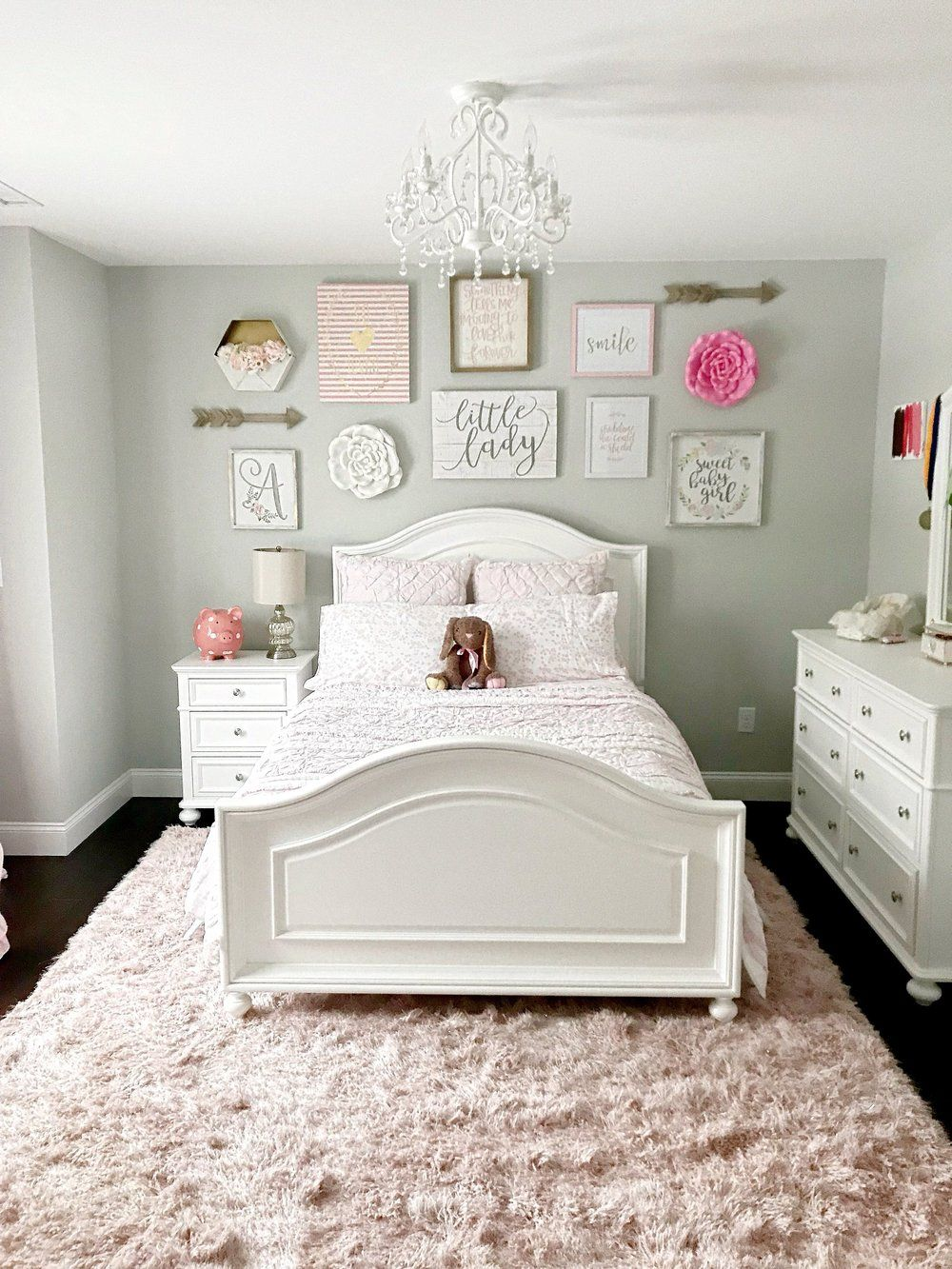 How to make a wall collage tips for tackling it with ease
