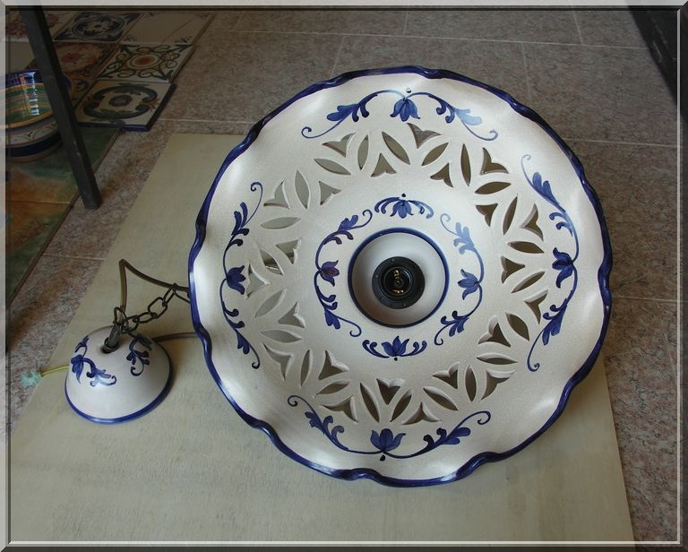 624/24 piatto in ceramica ricambio per lampadario applique 22 cm dipinto a mano diamantlux. Lampadario In Ceramica Decorato A Mano Ceramic Pendant Lamp Decor By Hand Lamp Decor Ceramic Pendant Ceramic Ornaments