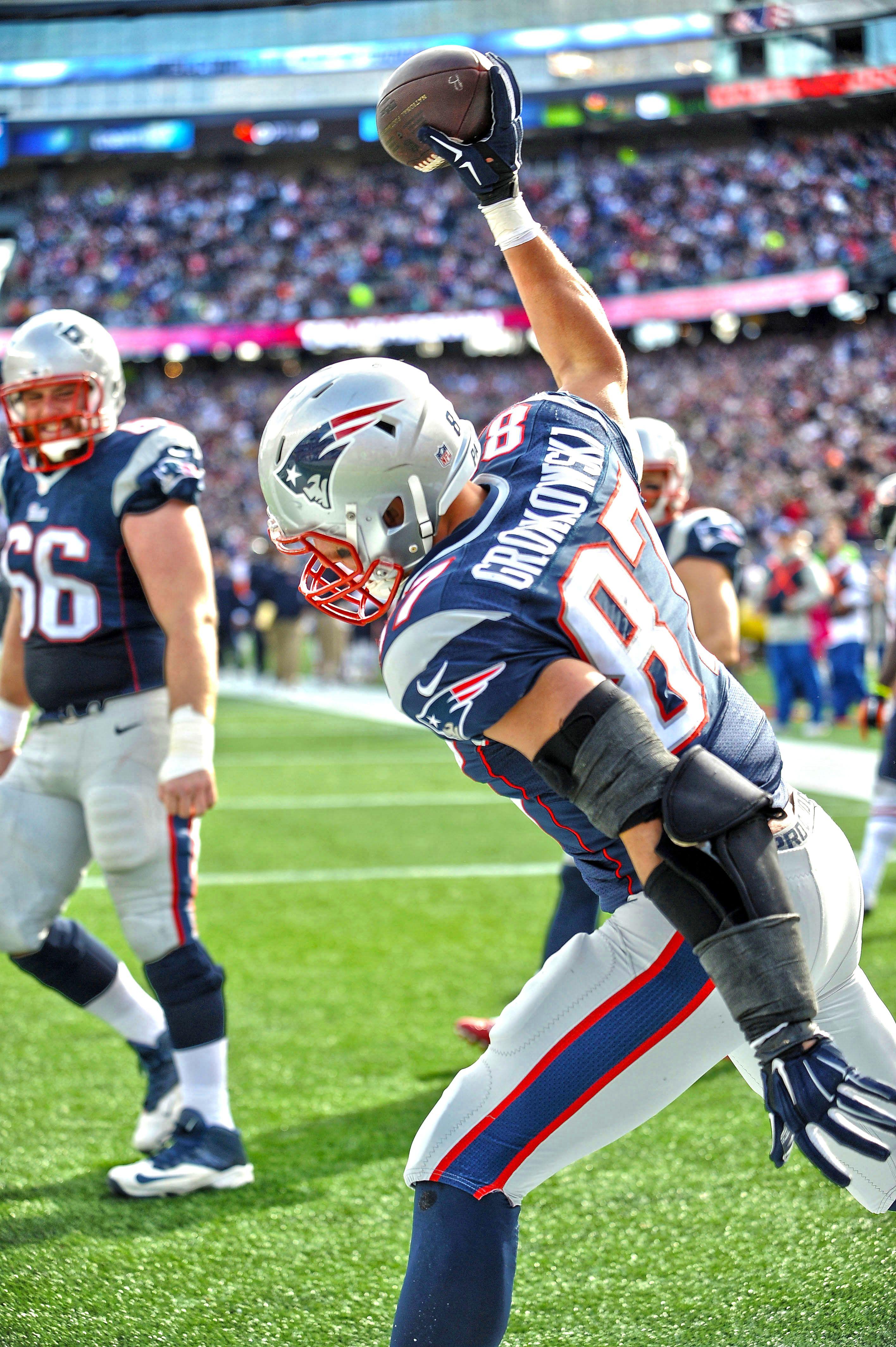 Gronk Spike New England Patriots Gronkowski New England Patriots Football