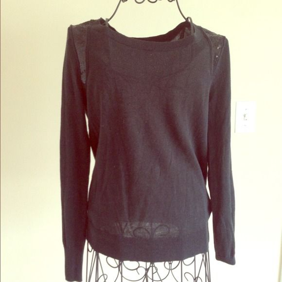 Banana Republic Sequin Shoulder Sweater XS Think black sweater with sequin shoulder detail. Worn handful of times only Banana Republic Sweaters