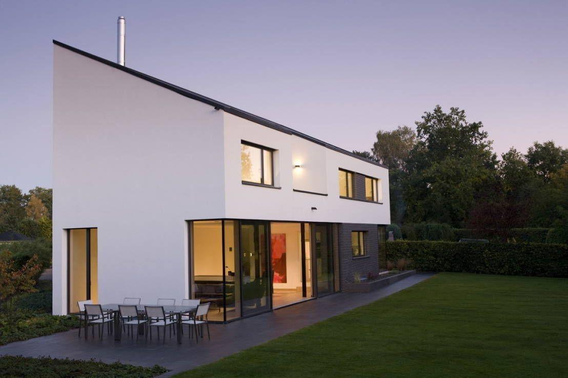 Blickfang Garage Am Haus Galerie Von Westen - Bach - Architekturobjekte