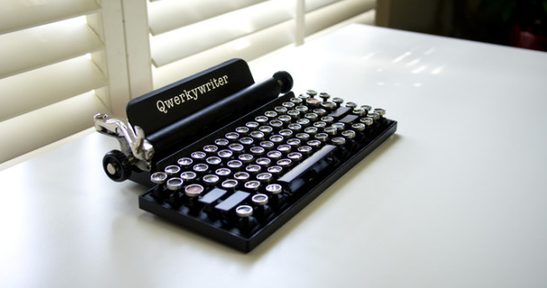 Vintage Style Keyboard Turns Your Computer Into An Old School Typewriter Relevant Typewriter Vintage Typewriters Geeky Gadgets