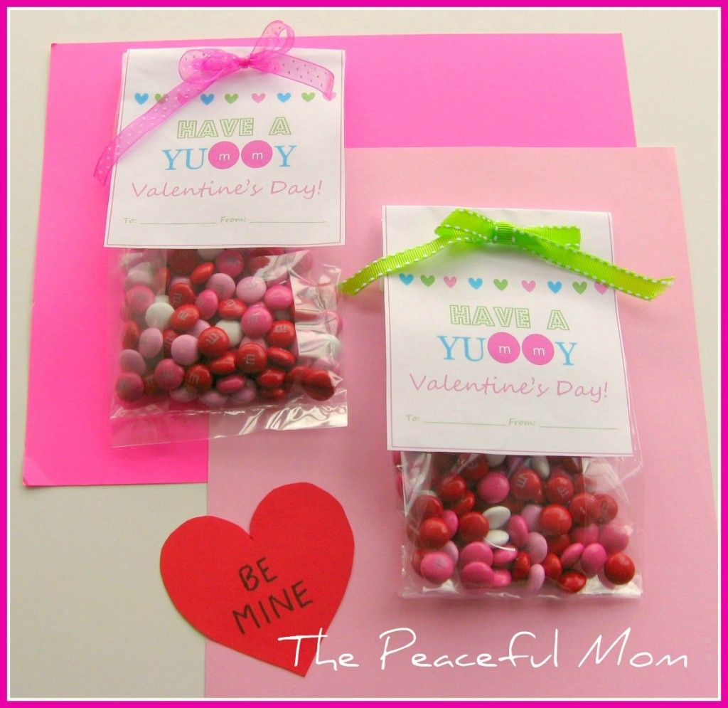 Super Easy Valentine Treat Bags With Free Printable Pinterest