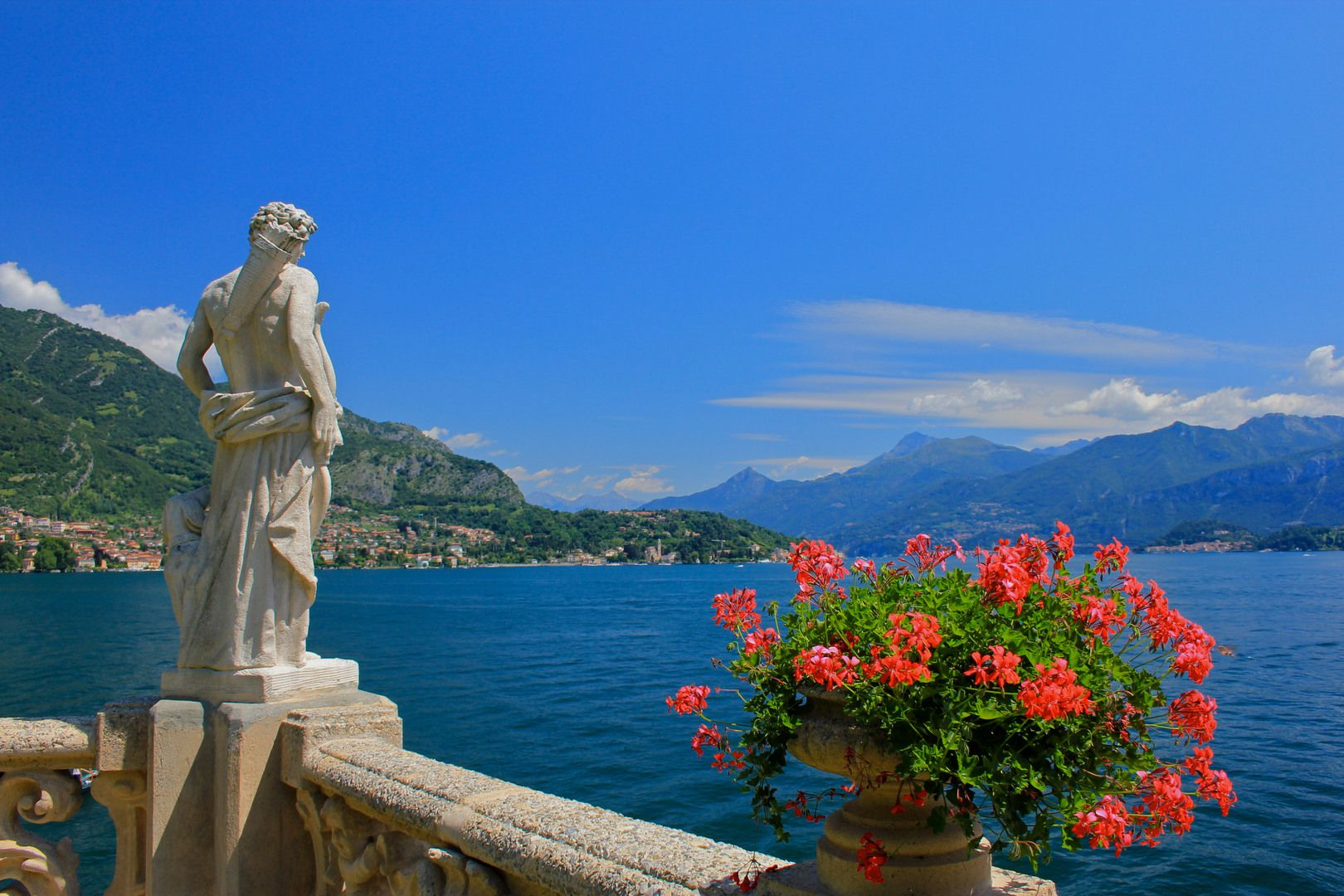 Lake Como Mingle With The Caesars And The Stars Lake Como Italy Lake Como Bellagio Italy