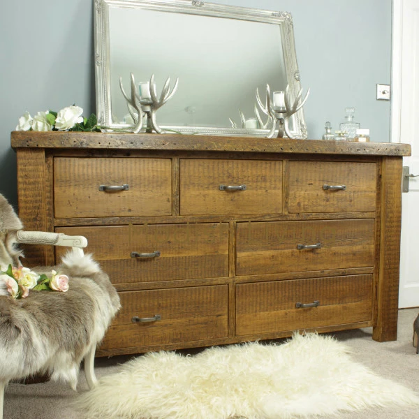 Rustic Reclaimed Wood Bedroom Furniture Made To Order Reclaimed Wood Chest Of Drawers Comes In 3 In 2020 Wood Chest Reclaimed Wood Furniture Bedroom Chest Of Drawers