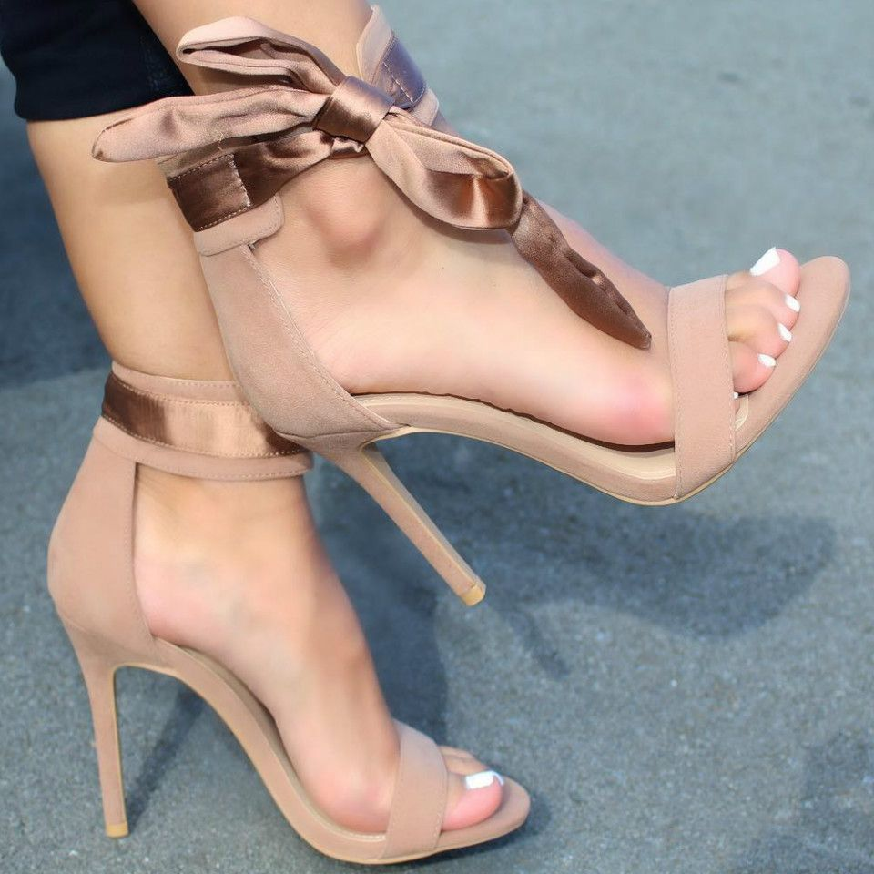 Ankle Strap Stiletto Sandals </p>                     </div>   <!--bof Product URL --> <!--eof Product URL --> <!--bof Quantity Discounts table --> <!--eof Quantity Discounts table --> </div>                        </dd> <dt class=