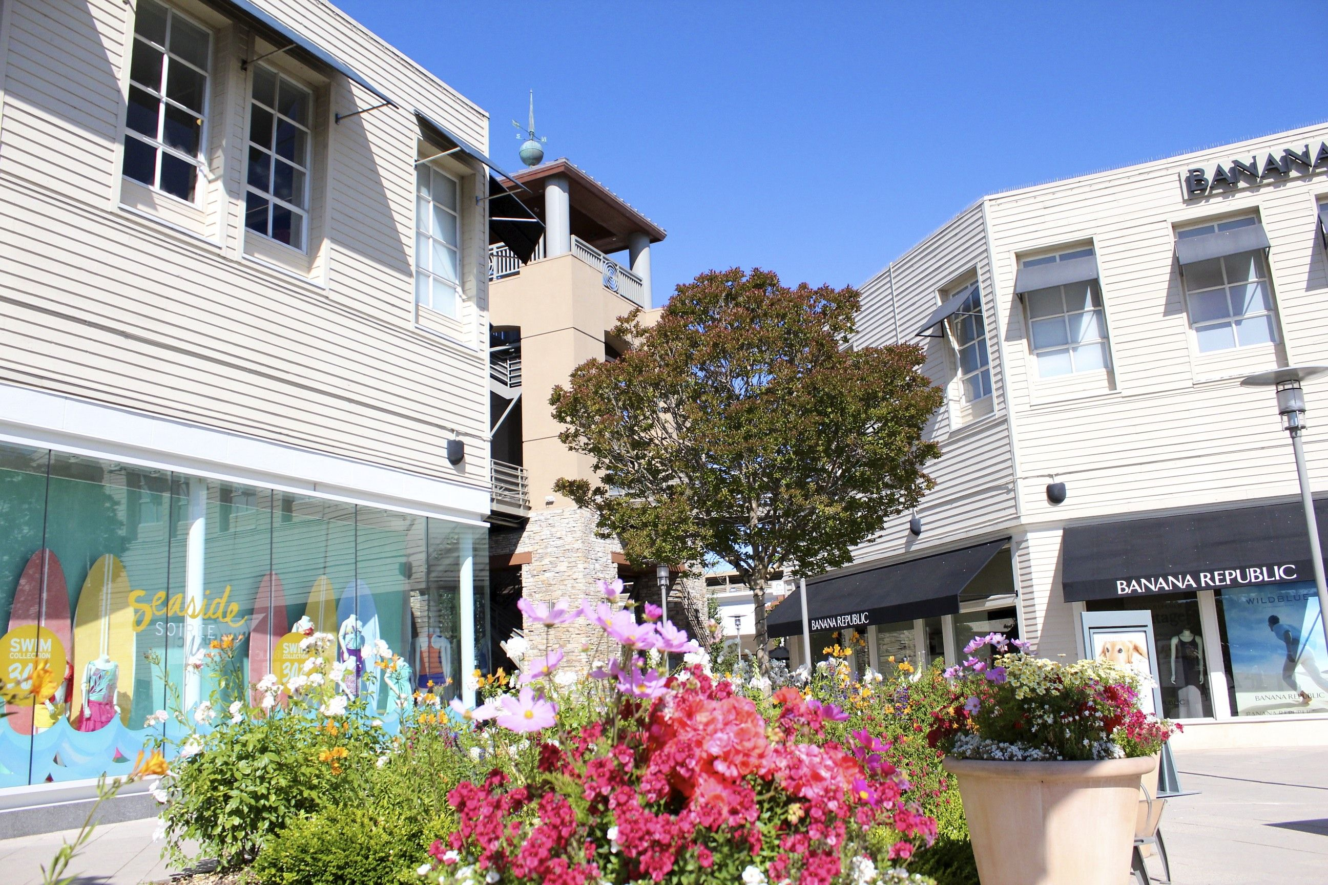 The Village At Corte Madera >> The Village At Corte Madera Shopping In Marin Building Shopping