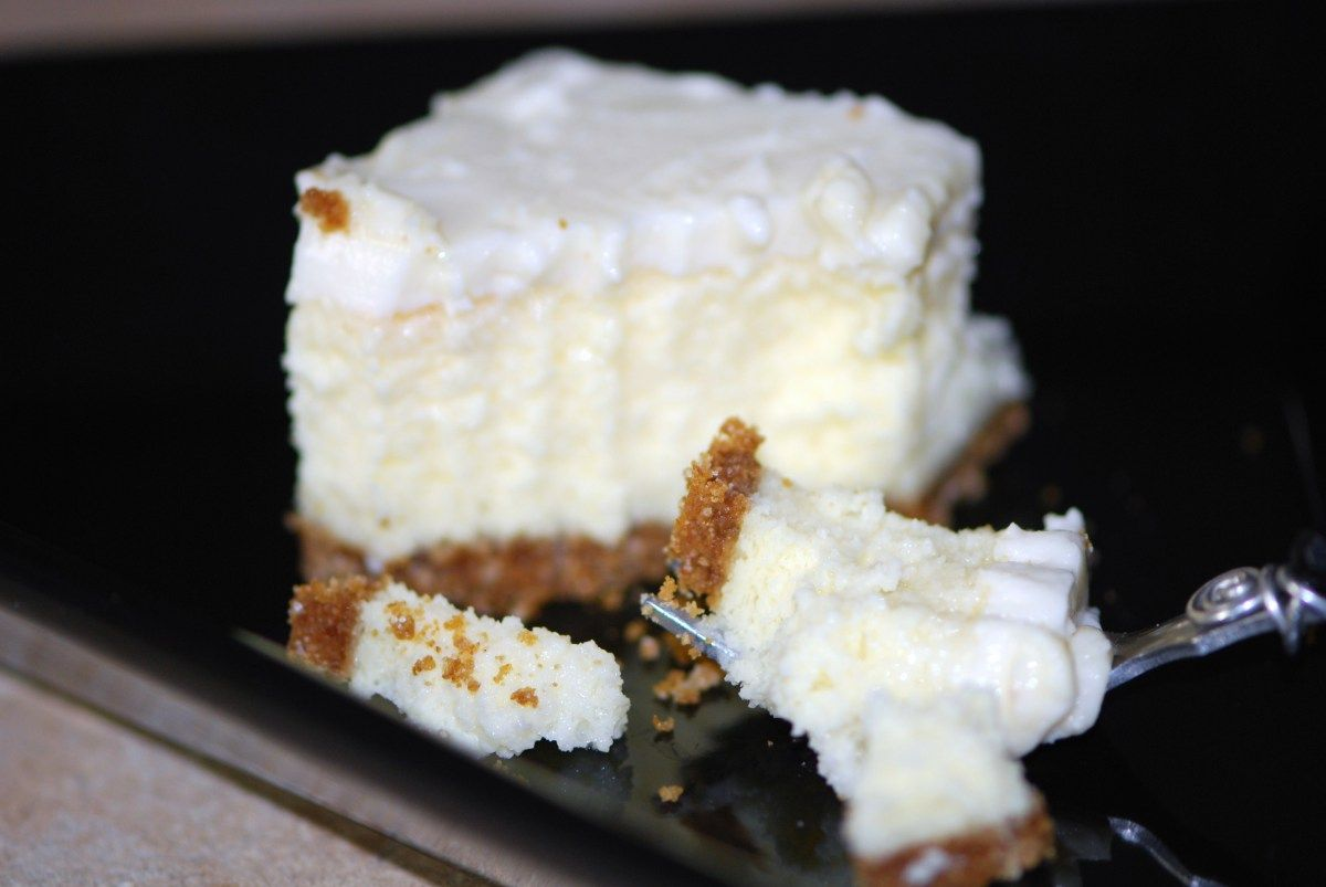 Cheesecake With Sour Cream Topping Sour Cream Cheesecake Easy Cheesecake Recipes 9x13 Cheesecake Recipe