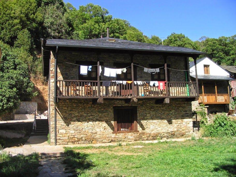 Albergue De Peregrinos San Nicolás De Flue Ponferrada Albergue Municipal De Pereje Leon Camino De Santiago Santiago De Compostela Peregrino