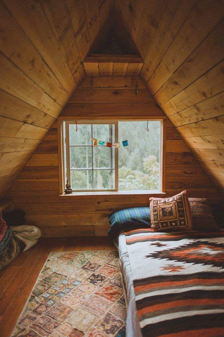 Warm And Cozy Rustic Bedroom Decorating Ideas Home Decoration Bedroomdecoratingideas Warmandcozyrustic Attic Renovation Cabin Attic Rooms