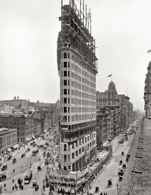 Building the Flatiron, 1902!!