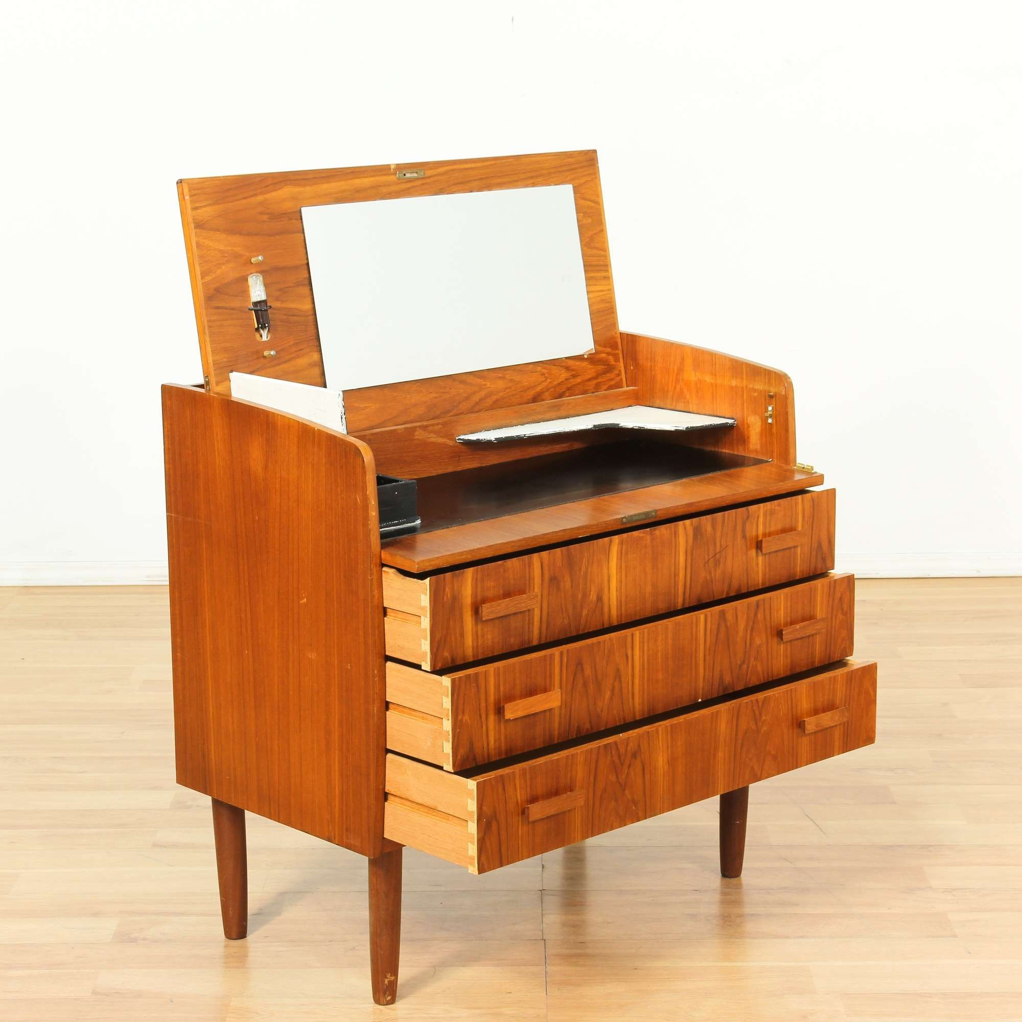 Danish Modern 3 Drawer Dresser W Flip