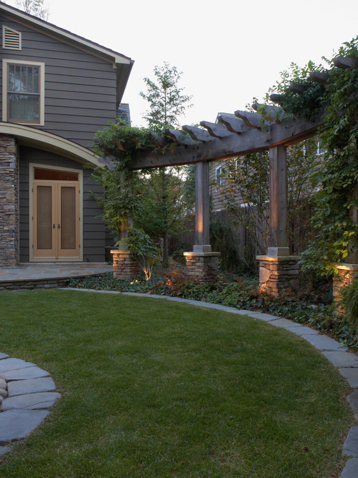 Curved pergola, privacy, uplighting | Backyard, Backyard ...