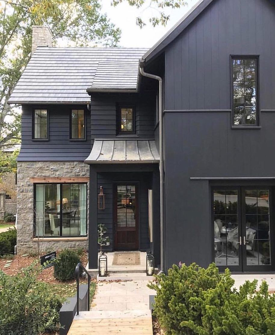 Alison Giese Interiors Alison Giese On Instagram Literally Stopped And Stared Dark Siding Modern Farmhouse Exterior Black House Exterior House Exterior