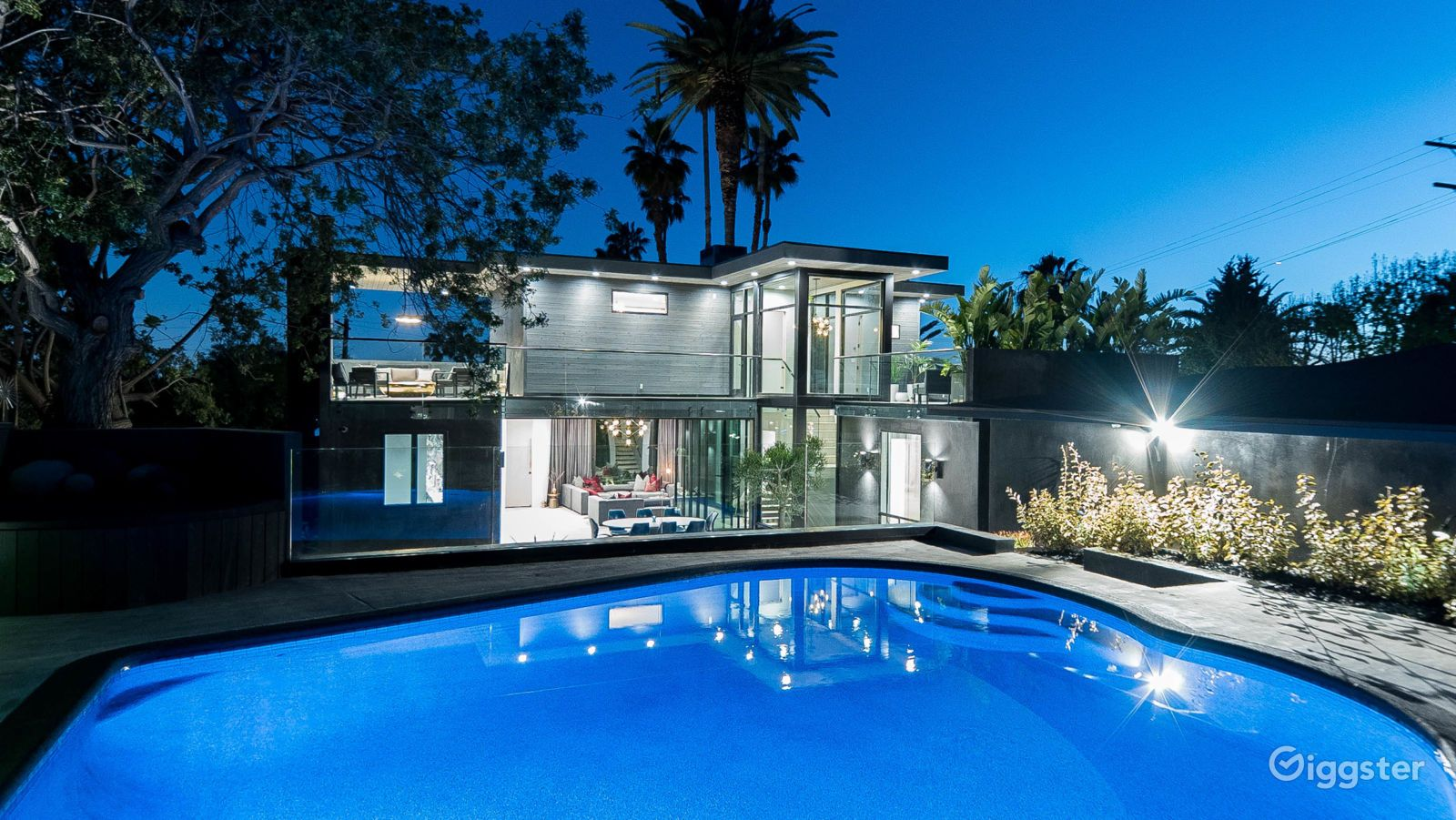 Modern Home In Hollywood Hills Los Angeles Rent This Location On Giggster Los Angeles Homes Japanese Architecture Luxury Homes
