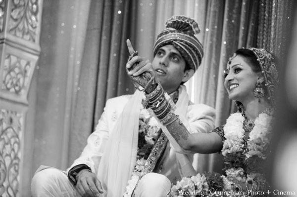 Indian Wedding Ceremony Customs Bride Groom Black White Http Maharaniweddings Com Gallery Photo 3216 Indian Wedding Ceremony Indian Wedding Bride