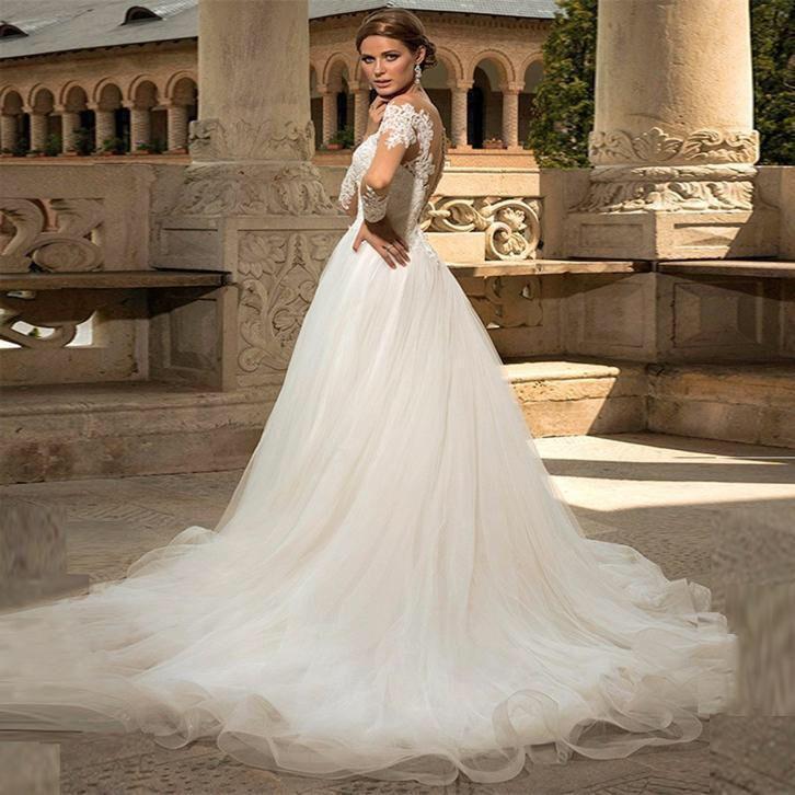Bruidsjurk prinsessen model met grote tule rok en kanten top