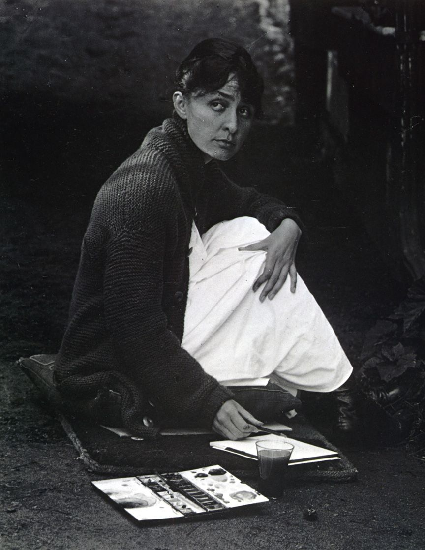 1918 Alfred Stieglitz - Portrait of Georgia o'Keefe he was her husband too, a brilliant landscape photographer I love this pic of her , haunting charm, an amazing artist she was bless her