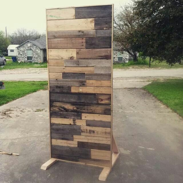 Pallet wall great for stage design or as a background for ...