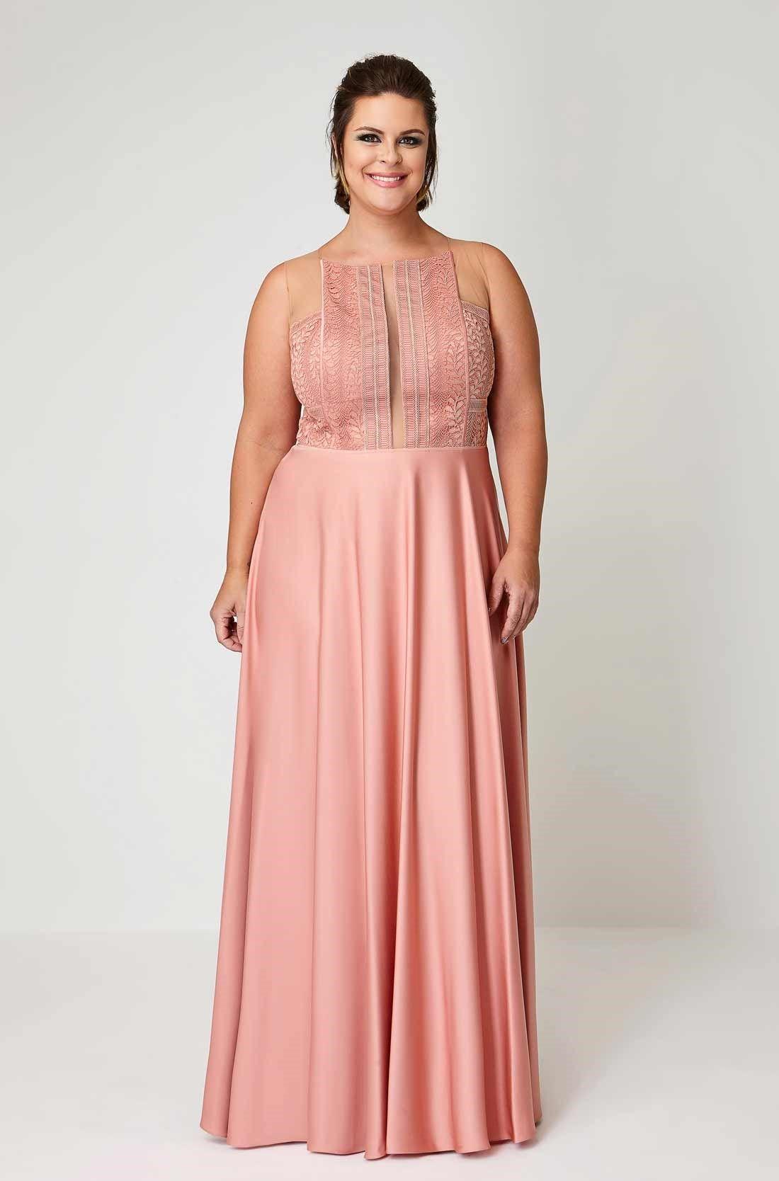 Vestido Longo Plus Size em Renda | Vestidos, Belos vestidos