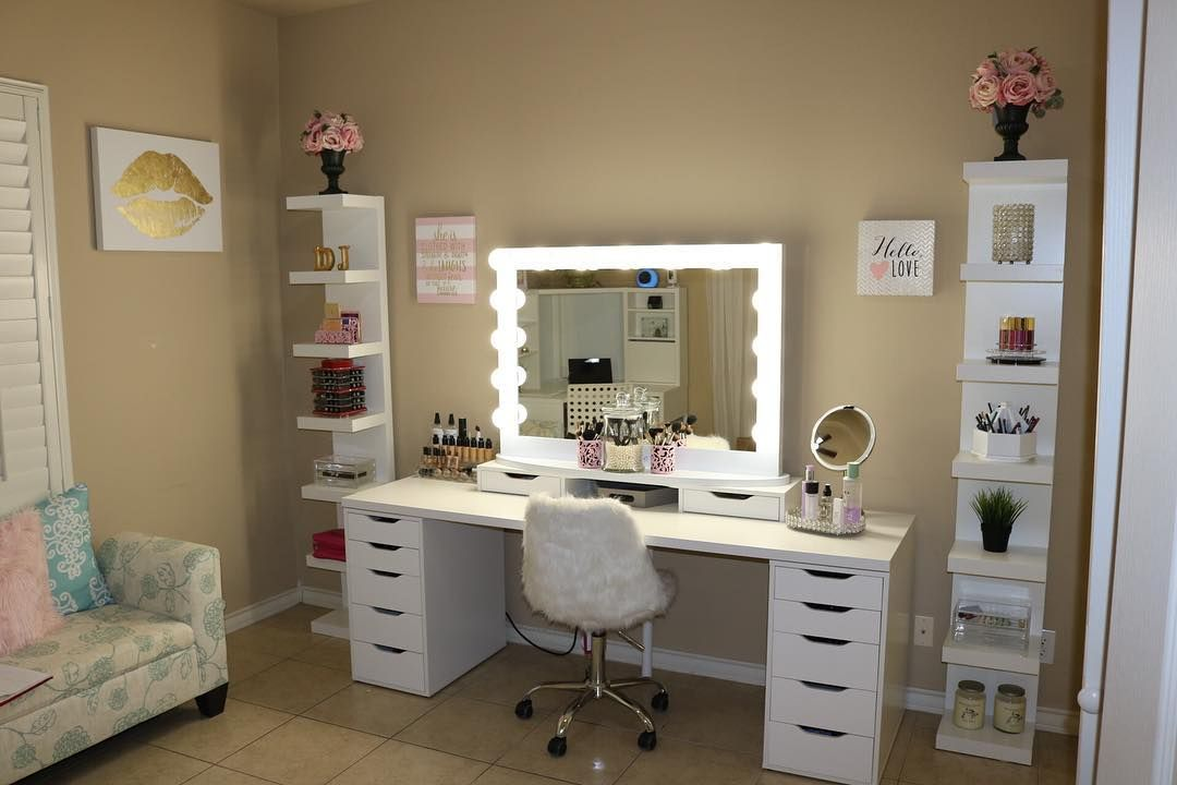 Feel Like A Star With The Impressions Vanity 174 Hollywood