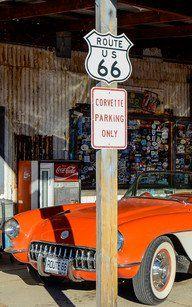 Corvette Parking Sign an der Route 66 © Julia Schafhauser