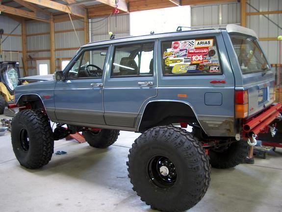Stanced Jeep Cherokee
