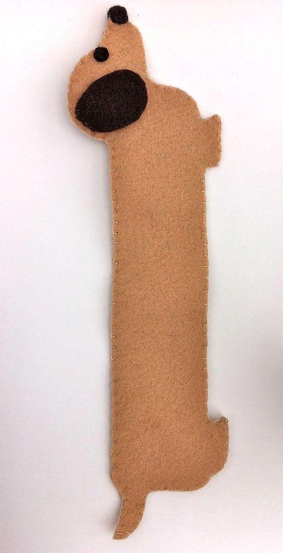 cachorrinho salsicha de efeltro