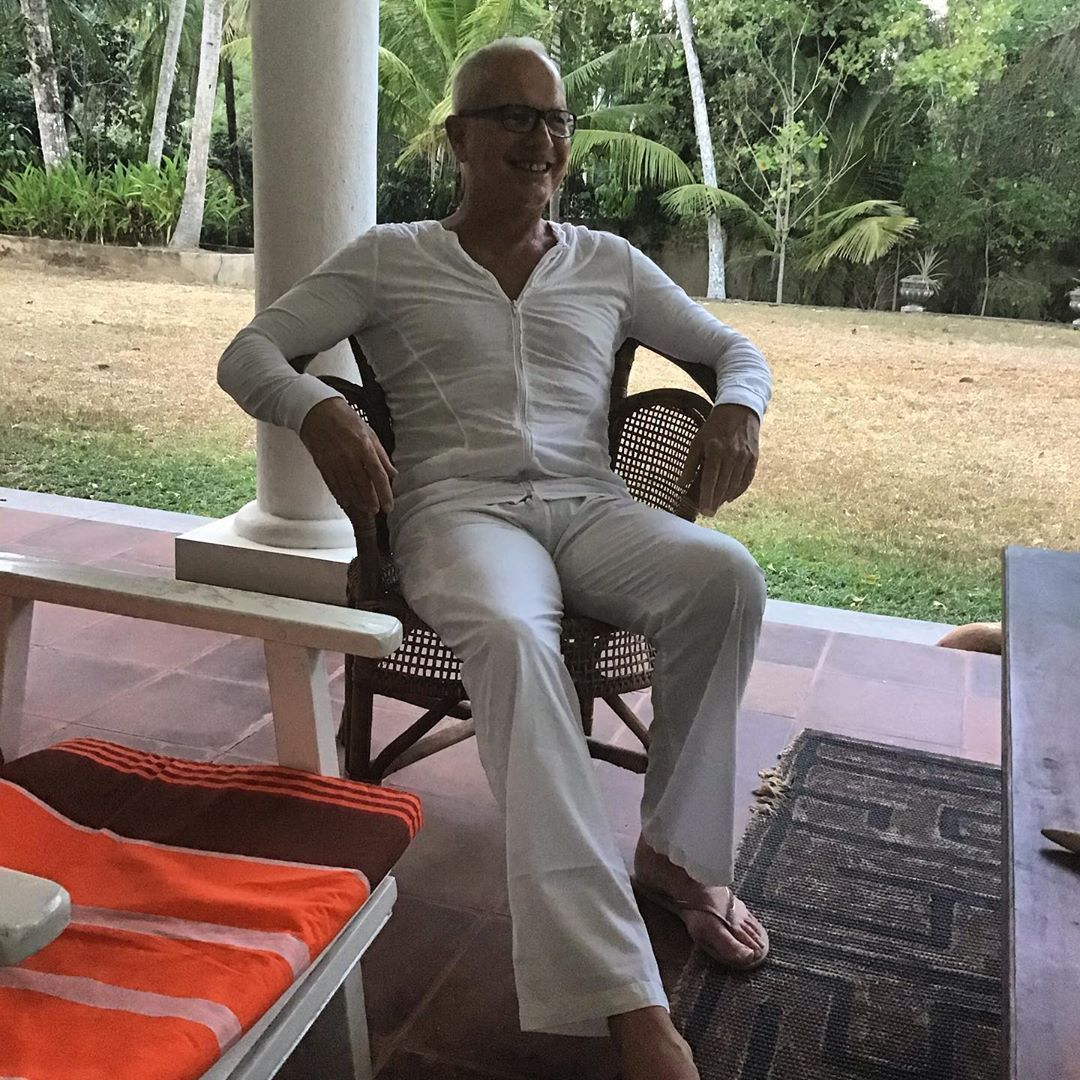 The guest who came to dinner dressed in white, but no tie!!! #srilanka #boutiquevilla #stylish #white #black #orange #south #chic #accommodation #select #exclusive #relaxed #meals #eating #drinking #swimming #dancing #sleeping #dogs #guarding #cat #lounging #birds  #singing #trees #growing #building #progress #slowly #slowly #srilankanstyle