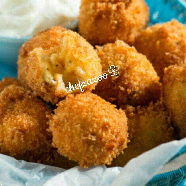 مشاركة من حساب Chefzazoo Chefzazoo كرات البطاطا مع الجبن لذيذة المقادير 3 كوب بطاطا مهروسة 1كوب وربع جبن Leftover Mashed Potatoes Leftovers Recipes Recipes