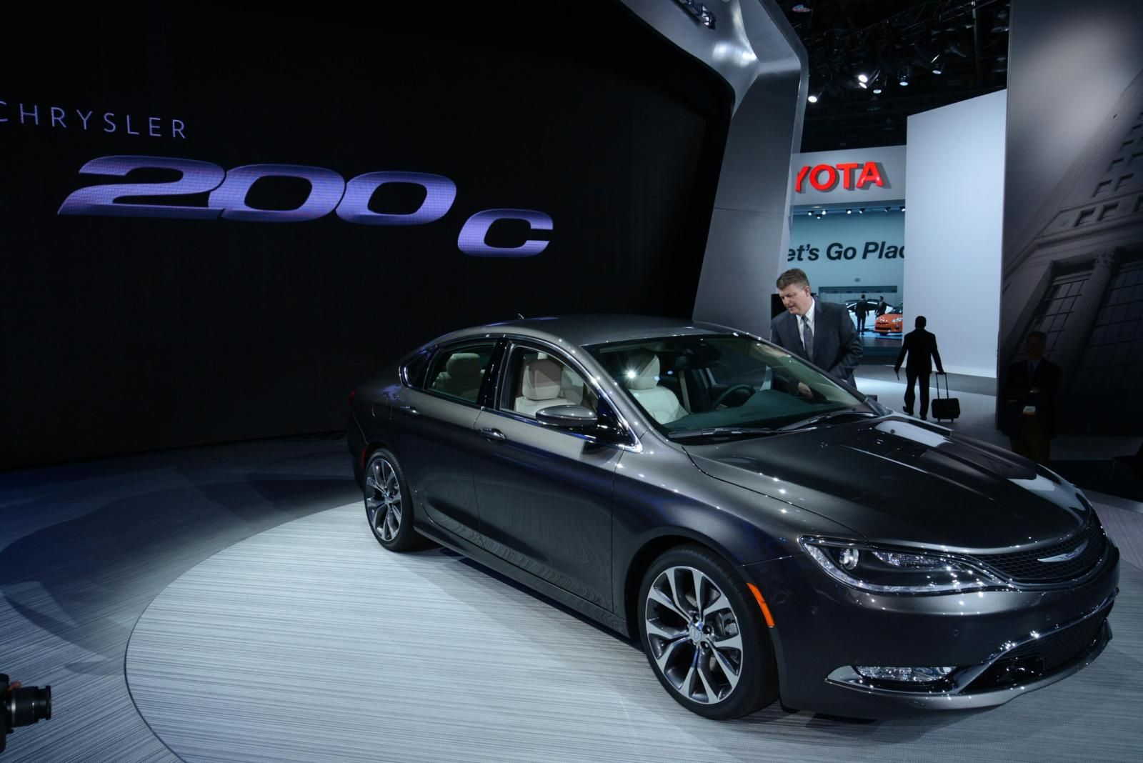 2015 chrysler 200 so excited we finally got one of these beauties machaikdcjr