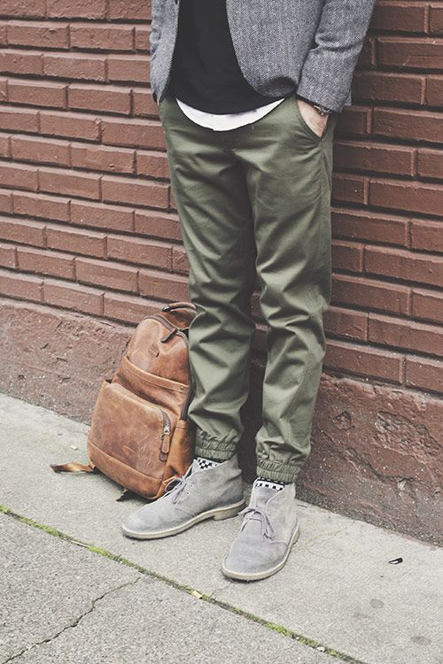 2c6669f5065c36 3 Ways to Wear Jogger Pants | style | his | Fashion joggers, Green ...