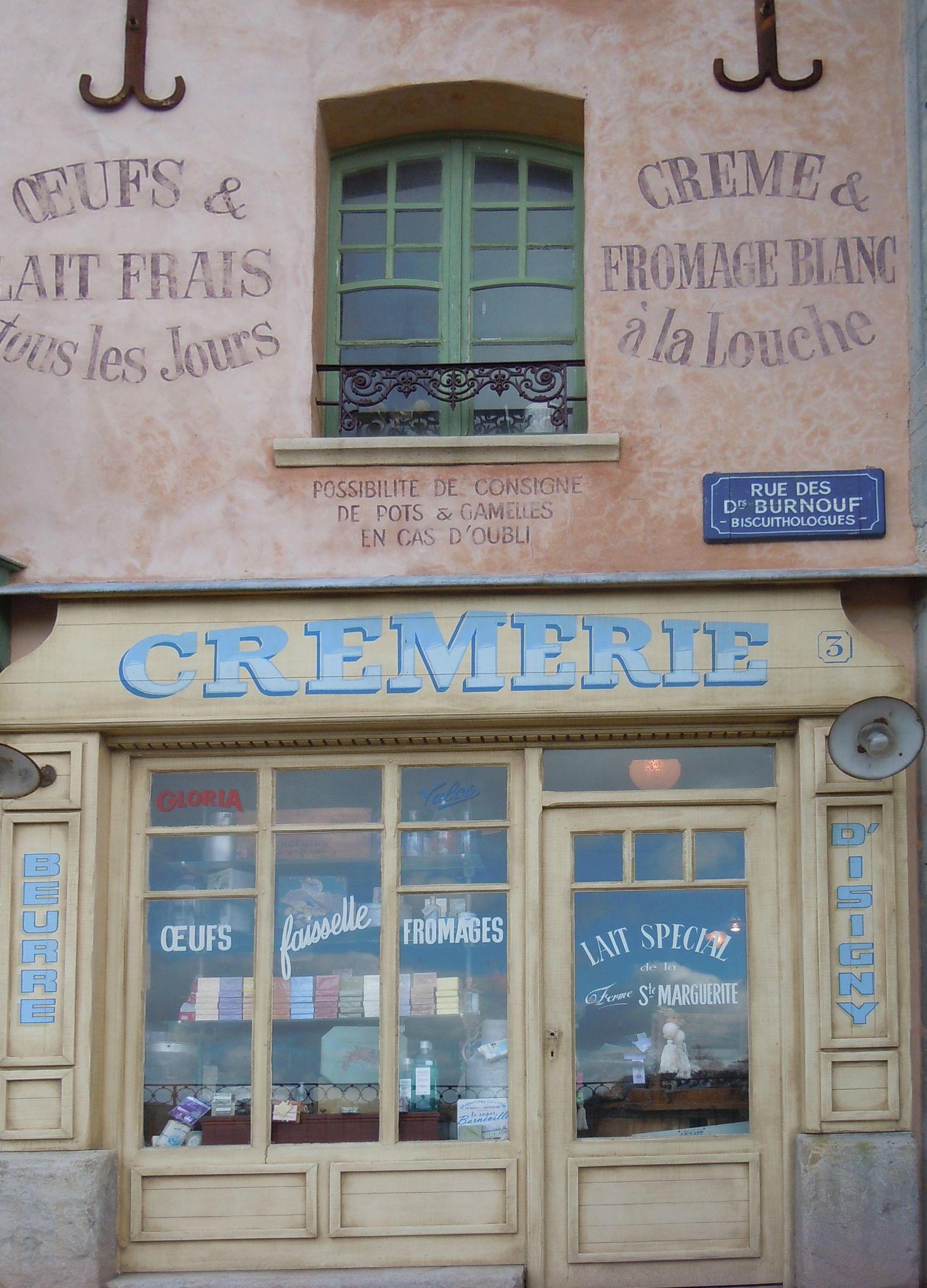 Gourmandises Carton Et Chiffons Facades De Magasins Facade Boutique Devanture Magasin