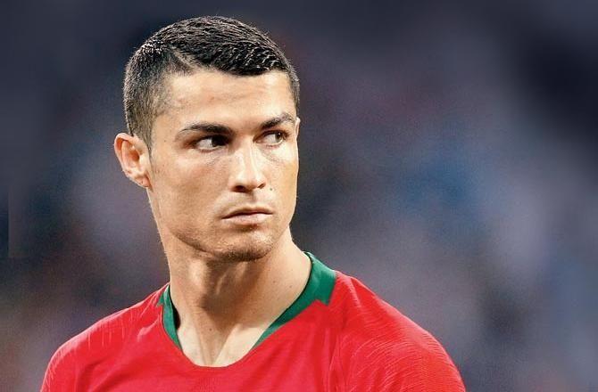 Cristiano Ronaldo Frisur Juventus Neue Frisuren Attrici Attori Modelle