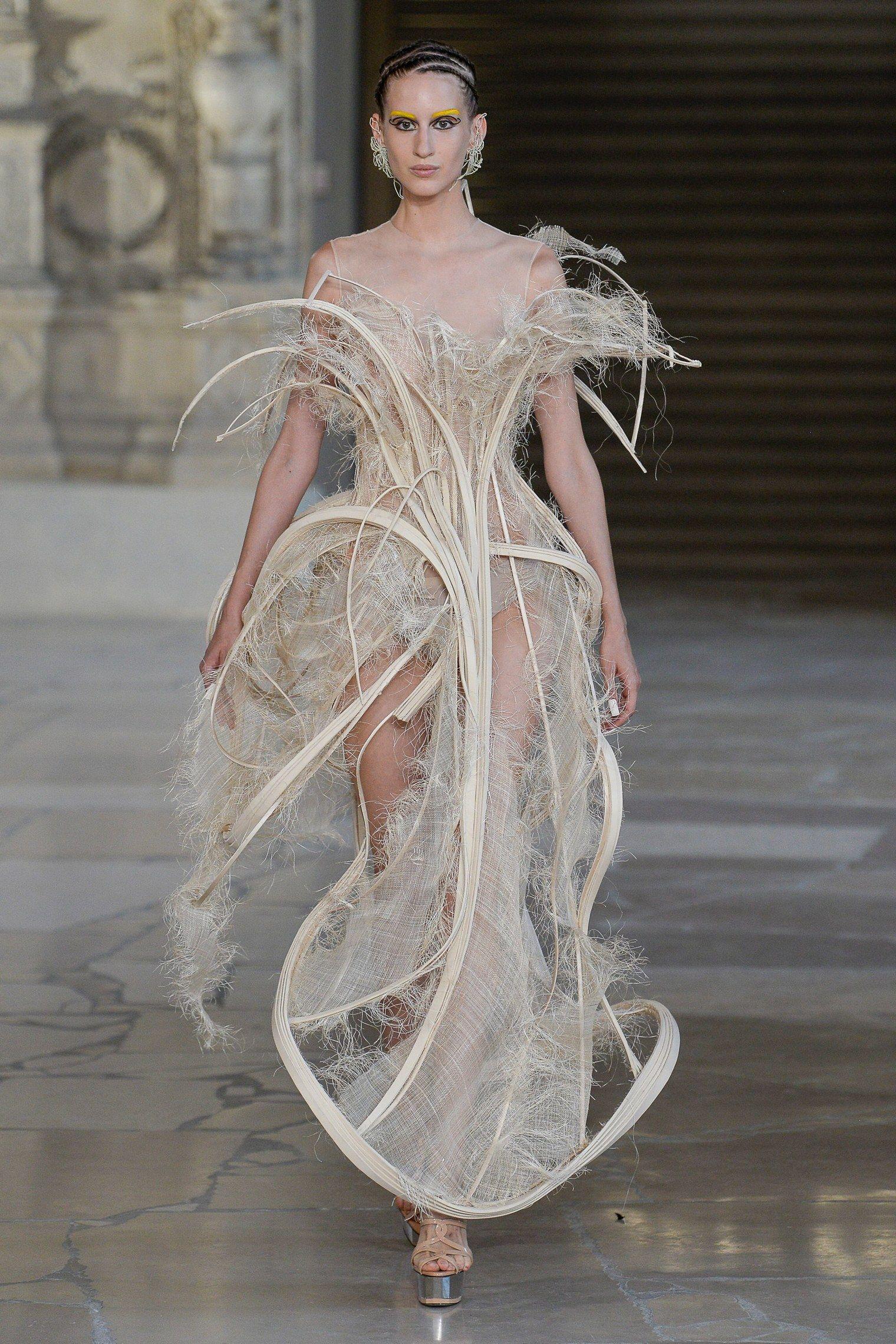 Guo Pei Fall 2018 Couture Fashion Show