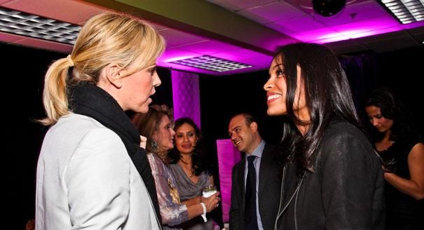 Charlize Theron catches up with Rosario Dawson, WHCD/POLITICO