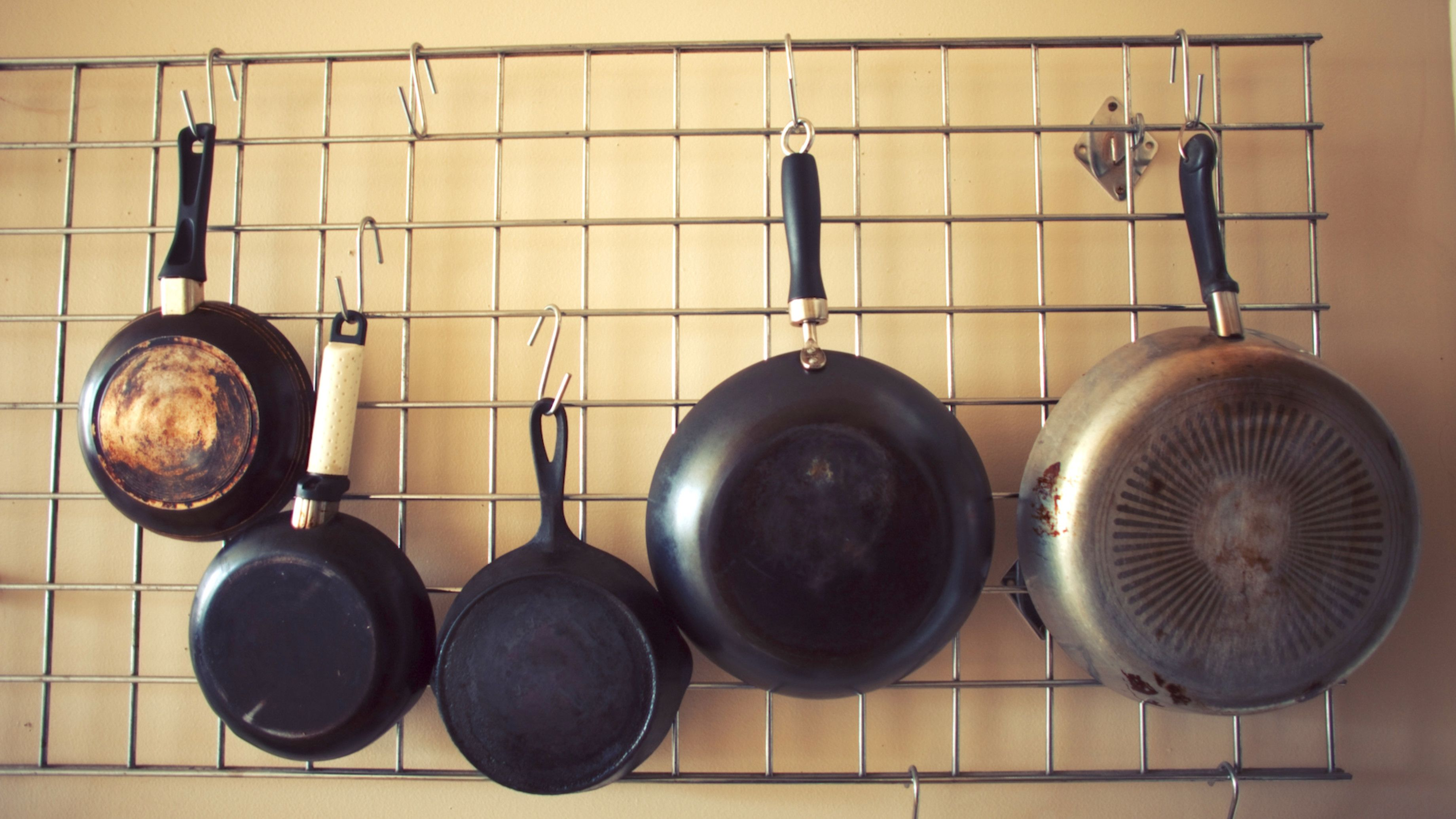 12 DIY pot rack projects to save space in your kitchen | Pot rack ...