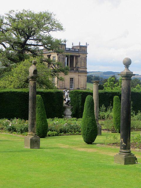 thistroubledmindofmine: Jardin de l'Orangerie, parc de Chatsworth House (fin XVIIe), Derbyshire, Angleterre, Royaume-Uni. by byb64 on Flickr.
