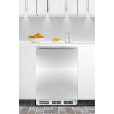 "32"" High Ada Compliant Built-in Undercounter Refrigerator With Commercial Approval, Stainless Steel Door, Horizontal Handle"