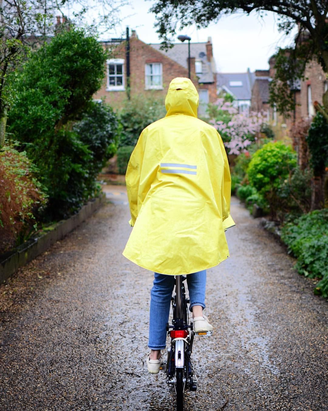 Pin By Marco On Beautiful Raincoats Types Of Cycling Raincoat Cycling